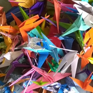 1000 cranes for Lincoln Healing 5.20 Linda Stephen_square